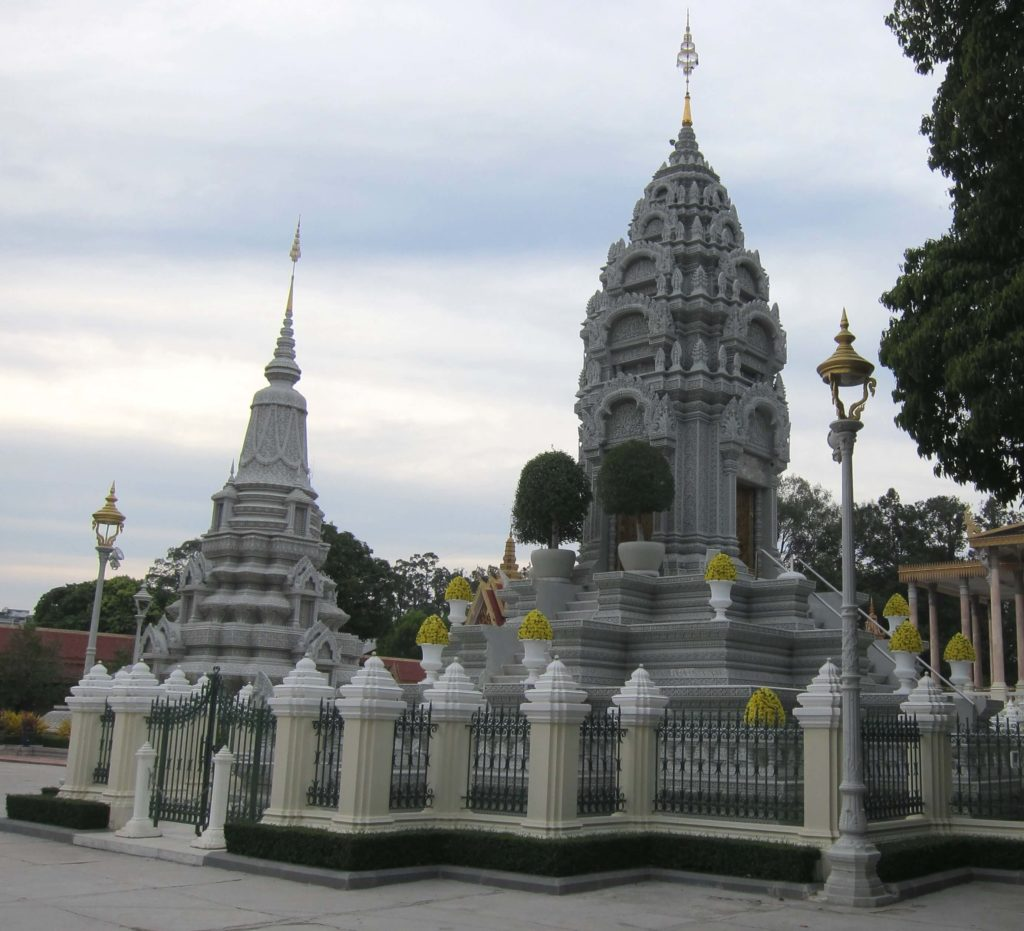 How to Travel to Cambodia and Laos in 2 Weeks - Phnom Penh Silver Pagoda
