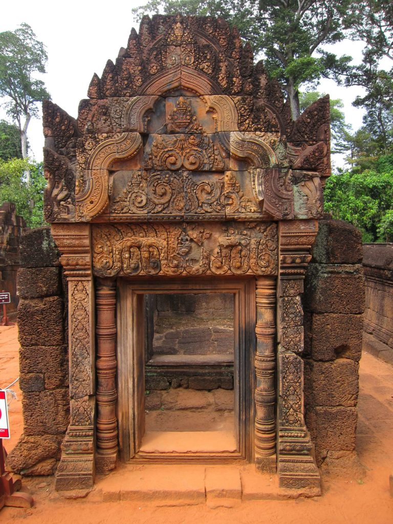 3 Days of Temples Galore in Siem Reap, Cambodia - Banteay Srey