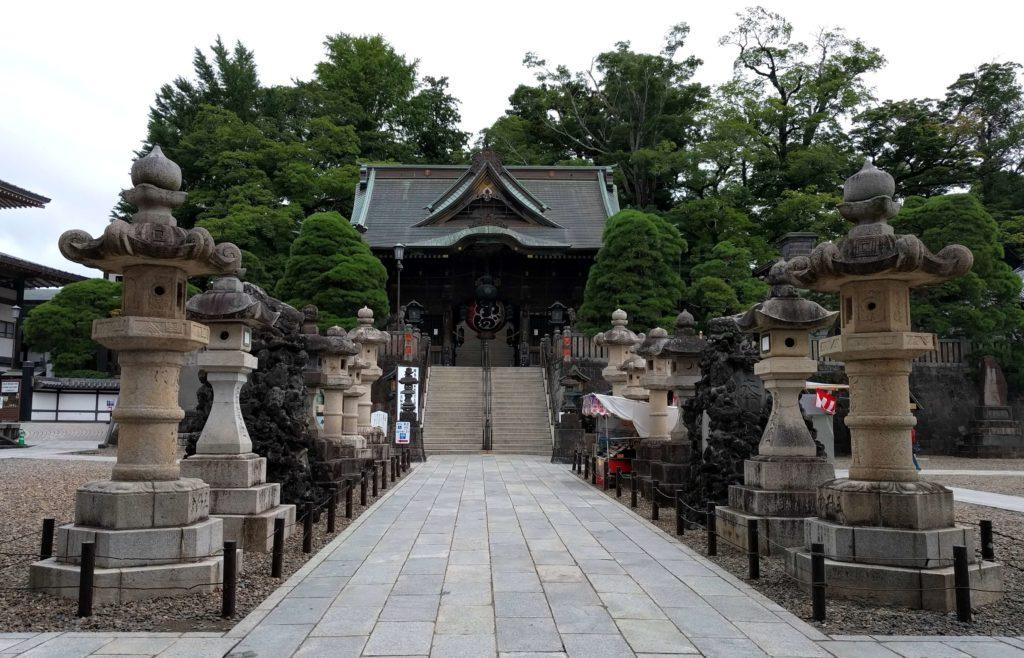 Visit Narita for a Layover in Japan - Naritasan Shinshoji Temple Niomon Gate