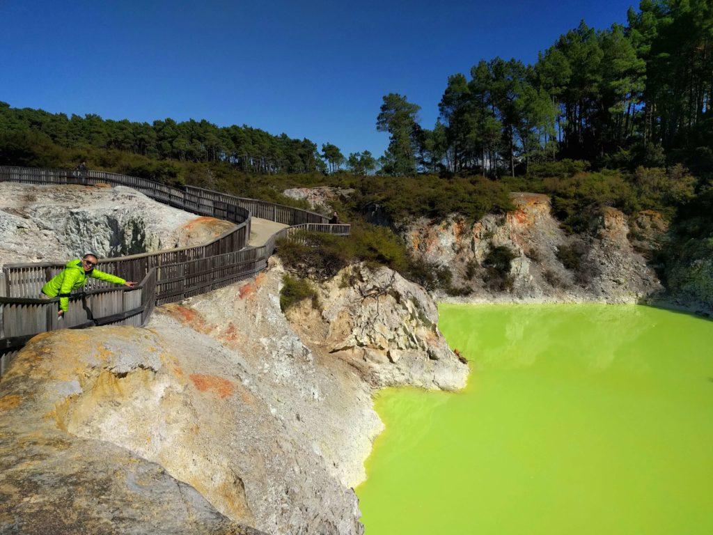 Two Days in Rotorua, New Zealand - Wai-O-Tapu Thermal Wonderland Devil's Bath