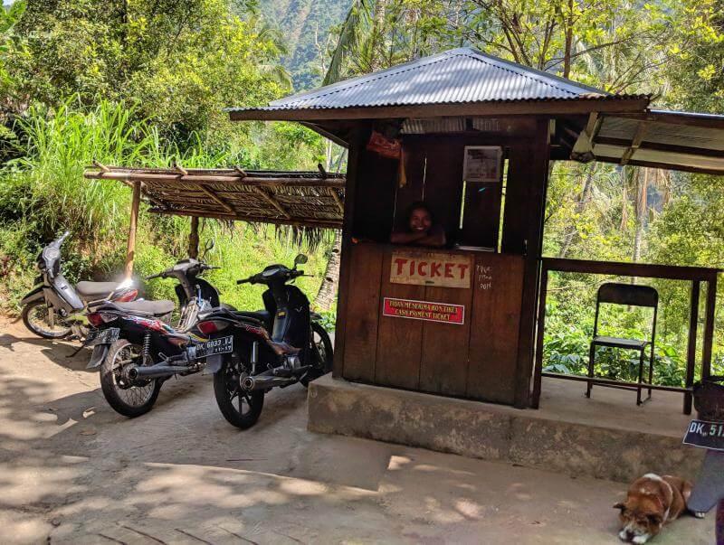Sekumpul Waterfall Admission Ticket Office