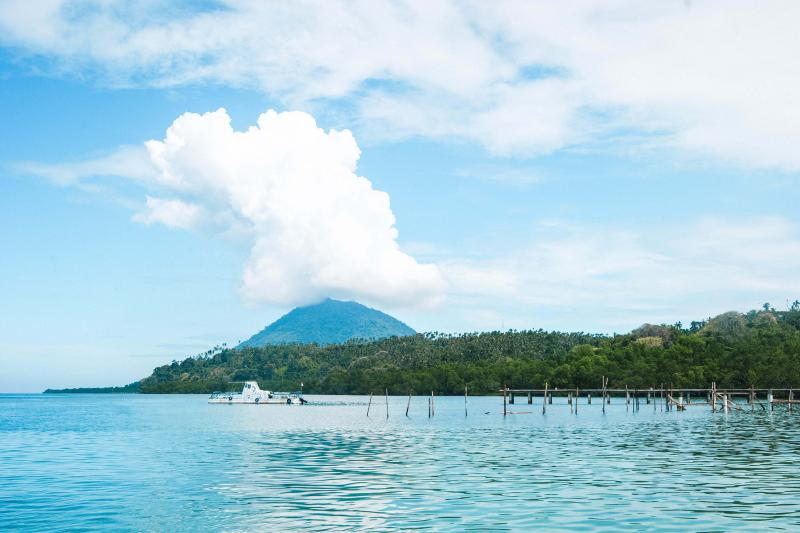 Adventures in Indonesia: Snorkel in Bunaken Island