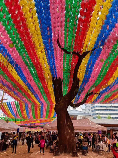 Seoul in 5 days: Jogyesa Temple has colorful streamers