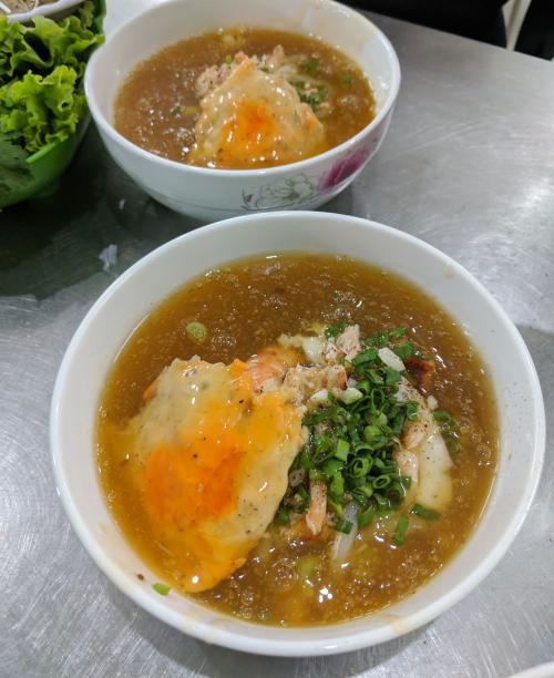 Can Tho, Vietnam: Seafood and crab bánh canh noodle soup