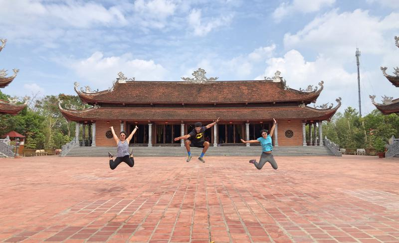 Can Tho, Vietnam: Jumping at Truc Lam Phuong Nam Zen Monastery