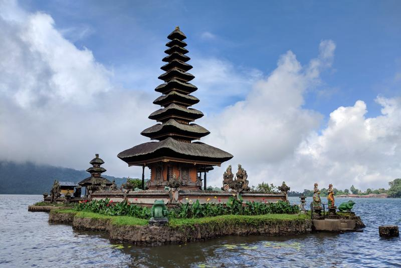 Pura Ulun Danu Beratan is a beautiful temple located in North Bali's Lake Beratan. You're not able to enter the small water temple, yet you can view it from the main walking path or via small boat.