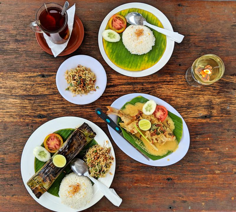 Try Warung Bambu for delicious seafood when you're on Nusa Lembongan.