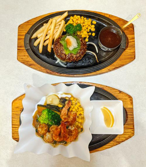 During your one day in Beppu, Japan, we recommend that you eat at Royal Host. Try sizzling hamburg or seafood!