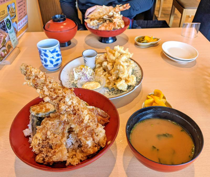 Beppu Toriten, fried chicken in tempura batter, is a popular cuisine to try in Beppu, Japan. Grab a bowl at Toyotsune along with other tempura items.