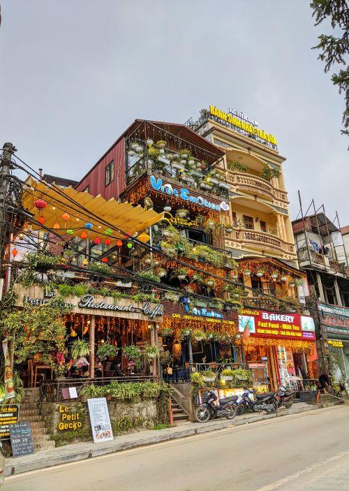 A street of Sapa restaurants